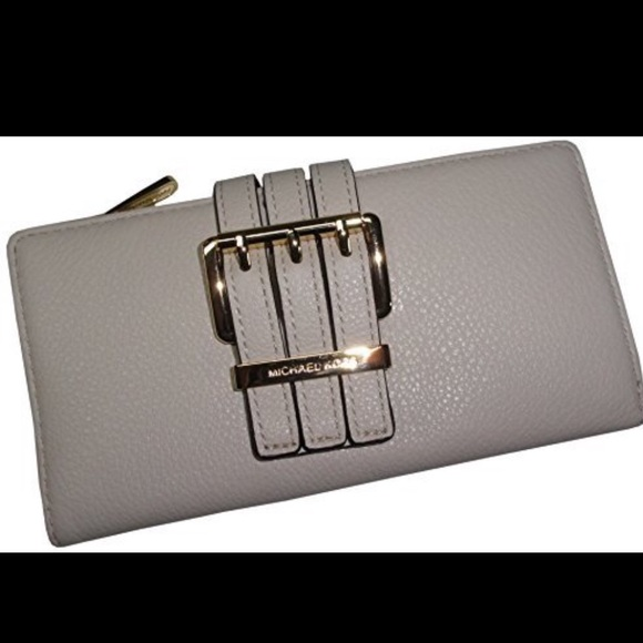 Michael Kors Handbags - NWT MK gansevoort wallet